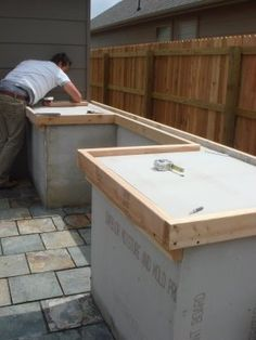 How To: CONCRETE COUNTERTOP. Good to know if we build an outdoor kitchen.