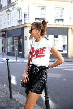 T-shirt com saia de couro