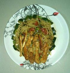 Sprageti with roasted chicken & zucchini, otger Vegies in T sauce.