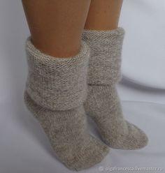 носки, гольфы, носки вязаные, обувь для дома, носки в подарок, подарок на день рождения, новогодний подарок, носочки, шерстяные носки, подарок девушке, подарок на рождество, чулки вязаные, следки Frilly Socks, Cute Socks, Cable Knit Socks, Knitting Socks, Crochet Slippers, Knit Crochet, Fluffy Socks, Men In Heels, Winter Socks