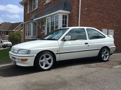 1990s Cars, Ford Escort, Classic Cars, Vehicles, Ebay, Vintage Classic Cars, Rolling Stock, Vehicle