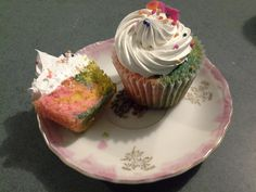 Delicious unicorn cupcake :) Cupcake Jemma, Unicorn Cupcakes, Little Cakes, Mini Cakes, Tasty, Baking, Inspired, Desserts, Food
