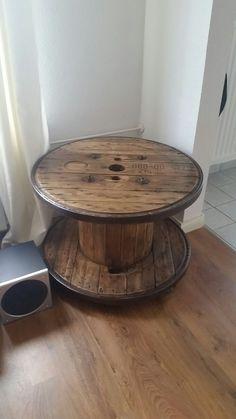 Holz kabeltrommel tisch als ladeneinrichtung mit couch aus - Tisch kabeltrommel ...