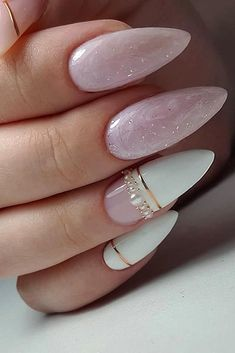 30 Perfect Pink And White Nails For Brides ❤ pink and white nails bridal origi… 30 perfect pink and white nails for brides, original pink and white nails bridal design with marble gold stripes and pearls arminails # Bride nails Cute Acrylic Nails, Cute Nails, Pretty Nails, Gorgeous Nails, Pink Nails, My Nails, Color Nails, Pink White Nails, White Almond Nails