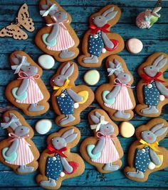 195 отметок «Нравится», 17 комментариев — ПРЯНИКИ на ЗАКАЗ, Ростов н/Д (@elki.pryaniki) в Instagram: «Солнечной ☀️ и успешной всем недели! А мы творим над вашими пасхальными заказами Эти кролики…»