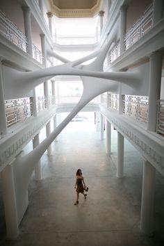 Passeando por Miami Design District com Camila Coutinho.