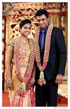 Bridal saree and diamond jwelery - Wedding Photography South Indian Weddings, South Indian Bride, Indian Bridal, Royal Indian, Flower Garland Wedding, Wedding Garlands, Flower Garlands, Flower Decorations, Wedding Flowers