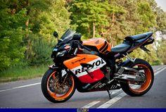 2005 CBR 1000 RR Honda Cbr 1000rr, Cbr 600rr, Honda Sport Bikes, Yamaha R3, Super Bikes, Street Bikes, Bike Life, Cars And Motorcycles, Motorbikes