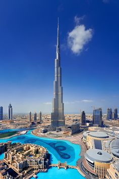 Top 10 Things To Do In Dubai! Dubai unabashedly aims to be the biggest, best, and most modern city on earth, and it may be getting close to claiming that title! Read more on Avenly Lane Travel Dubai Places Around The World, Travel Around The World, Around The Worlds, Holiday Destinations, Travel Destinations, Places To Travel, Places To See, Dubai City, Vacation