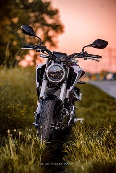 Spring in .. the city? Honda CB125R by Dominik Kotowski on 500px