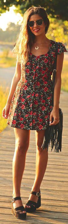 Summer trends | Floral dress, sandals, handbag || Desert Lily Vintage ||