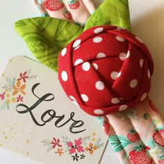 Items similar to Handmade Wrist Rose Pincushion Cuff ~ Great Gift for a Quilter or Seamstress on Etsy Craft Ideas To Sell Handmade, Fabric Christmas Ornaments, Sewing Equipment, Diy Cushion, Fabric Roses, Sewing Accessories, Easy Sewing Projects, Sewing For Kids, Creative Crafts
