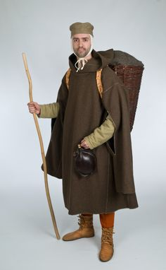 Gardecorps; A warm weather protection jacket of the High Middle Ages with natural colored linen thread sewn u Gardecorps5nd enclosed