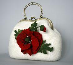 Gallery.ru / Fotografie # 106 - Tašky - tanya-RTV Poppy Craft, Cushion Cover Designs, Felt Purse, Art Bag, Crochet World, Unique Bags, Linen Bag, Vintage Purses, Girls Bags