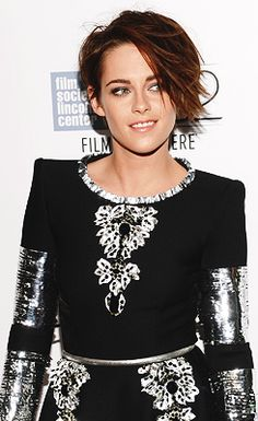 Kristen at the NYFF premiere of Clouds of Sils Maria (10/08/2014)