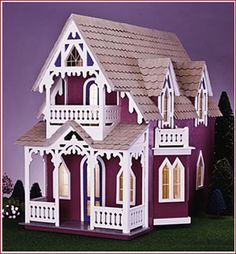 I love dollhouses and miniatures