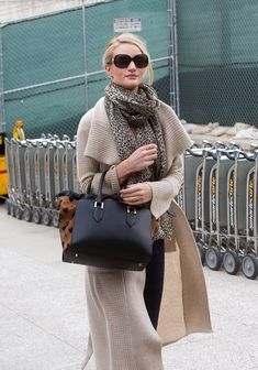 Rosie Huntington-Whiteley - Rosie Huntington-Whiteley Lands in LAX CACO LGGC