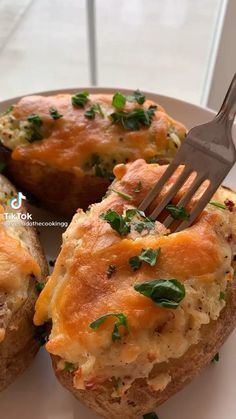 Cheesy Potatoes, Cooking Games, Dinner Tonight, Easy Dinner Recipes, Baked Potato, Healthy Recipes, Healthy Food, Deserts, Eat