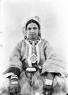 Bedouin woman of the in Moroccan steppe