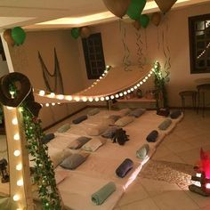Mom Guide – Last Minute Sleepover Ideas for Sleepover Party Slumber Party Birthday, Fun Sleepover Ideas, Sleepover Birthday Parties, Sleepover Fort, Birthday Party Ideas For Teens 13th, 10th Birthday, Pyjamas Party, Pajama Party Kids, Teepee Party