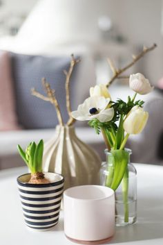 Spring coffee table decor idea | Wiener Wohnsinn.