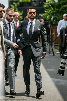 Man of the hour! Scott Disick looks dapper in a stylish suit as he arrives at Derby Day Formal Suits, Men Formal, Mens Fashion Suits, Mens Suits, Scott Disick Style, Stylish Suit, Derby Day, Looking Dapper, Dapper Men