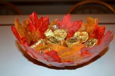 Make this adorable DIY Fall Leaf Bowl with this easy step by step tutorial. It's a wonderful Fall craft for kids to make! Autumn Crafts, Crafts For Kids To Make, Easy Crafts, Creative Crafts, Leaf Bowls, Diy Projects To Sell, Thing 1, Fall Diy, Seasonal Decor