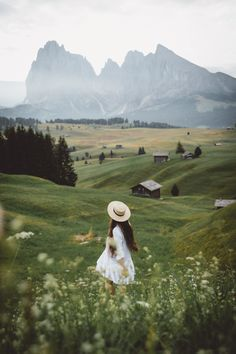 Seiser Alm / Alpe di Siusi by Alexandra Taylor, wander, travelinspiration, adventurer Photography Poses, Travel Photography, Images Esthétiques, Photo Grid, Nature Aesthetic, Adventure Is Out There, Countryside, Travel Inspiration, Places To Go