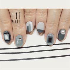 ▪️🔳◻️🔲▫️◼️#Nail#art #nailart #ネイル#ネイルアート#contemporaryart#monotone#cool#mode#ショートネイル#nailsalon#ネイルサロン#表参道
