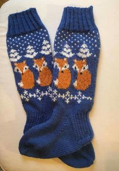 Ketut Diy Crochet And Knitting, Crochet Socks, Knitting Socks, Hand Knitting, Knitting Patterns, Best Baby Socks, Christmas Knitting, Knitting Projects, Mittens