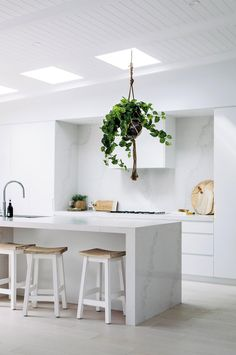 Three Birds Renovations: a white Santorini-style home made for luxury living Australian Homes, Kitchen Island Bench, Home, Home Kitchens, Kitchen Design, Interior, Three Birds Renovations, House, House Interior