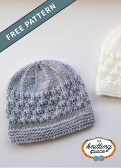 Create a set of these lovely knitted baby beanies in time for the fall and winter season. These hats also makes for a thoughtful handmade baby shower gift. Discover over Free knitting patterns at Baby Hat Knitting Patterns Free, Knit Beanie Pattern, Baby Hat Patterns, Baby Hats Knitting, Free Knitting, Knitted Baby Beanies, Baby Beanie Hats, Knitted Hats, Crochet Baby