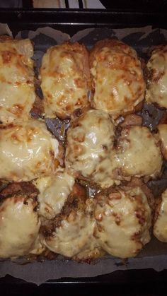 Junk Food Snacks, Cauliflower, Bacon, Snack Recipes, Food And Drink, Meat, Vegetables, Cooking, Meal