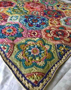 Transcendent Crochet a Solid Granny Square Ideas. Wonderful Crochet a Solid Granny Square Ideas That You Would Love. Crochet Mandala Pattern, Crochet Motifs, Crochet Quilt, Granny Square Crochet Pattern, Crochet Squares, Crochet Blanket Patterns, Crochet Blankets, Afghan Patterns, Freeform Crochet
