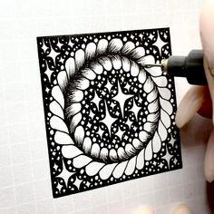 Doodle Art Drawing, Zentangle Drawings, Mandala Drawing, Zentangle Patterns, Zentangles, Easy Doodle Art, Doodle Art Designs, Mandala Art Lesson, Mandala Artwork
