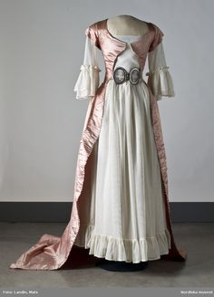 Dress (image 5) | Swedish | second half 18th century | medium unknown | Nordic Museum | Inventory #: 183144