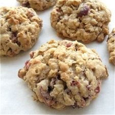 Dried fruit and nuts lend flavor to a slightly chewy, slightly crunchy version of these traditional cookies. Oatmeal Cookie Recipes, Oatmeal Raisin Cookies, Delicious Desserts, Dessert Recipes, Yummy Food, Biscuits, Best Sugar Cookies, Cake Cookies, King Arthur Flour