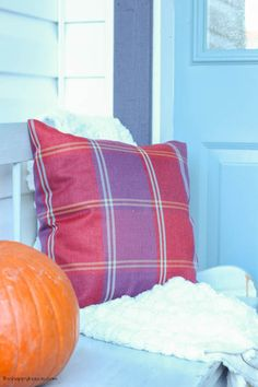 Come on tour this cheery fall front porch and entry hall Fall Home Tour Part 2 at thehappyhousie.com-18