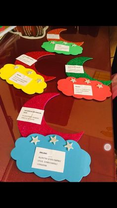 List of Ideas for Science Fair Projects for Middle School Paper Crafts Origami, Diy Paper, Science Bulletin Boards, Diy And Crafts, Crafts For Kids, Sun Holidays, Alcohol Free Toner, Ramadan Decorations, Class Decoration