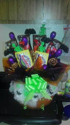 Halloween candy bouquet made out of a pumpkin!