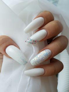 #nails #white #glitter #diamonds #summer
