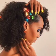 Turning heads at homecoming parties don't have to be complicated. Here are 11 pro-approved styles that are cute and creative. Homecoming Hairstyles, Bride Hairstyles, Black Women Hairstyles, Straight Hairstyles, Cool Hairstyles, Fashion Hairstyles, Homecoming Makeup, Prom Hair, Cute Updo