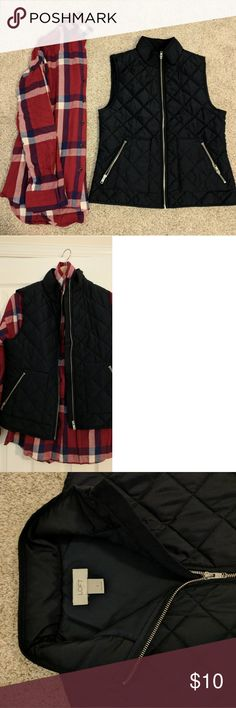 Lightweight flannel and quilted vest Navy blue quilted vest with silver hardware from Loft (size S). Lightweight flannel in red from Old Navy (size S). LOFT Tops