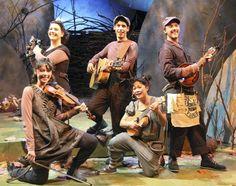 "Leo Lionni's ""Frederick"" at Chicago Children's Theatre. Photo credit Joe Mazza"
