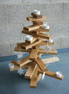 Weihnachtsbaumset von Raumgestalt in Eiche dunkel http://www.holzdesignpur.de/alternativer-Deko-Weihnachtsbaum-aus-Holz
