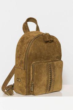 Rossea Rossea Shebo Backpack ile tarzını ve şıklığını tamamla, modayı keşfet. Birbirinden güzel Sırt Çantası modelleri Lidyana.com'da!