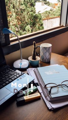 College Motivation, Study Motivation Quotes, Study Organization, Study Photos, School Study Tips, Study Hard, Student Life, Study Space, Studyblr