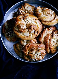 What's For Breakfast, Breakfast Recipes, Summer Cakes, Food Club, Sweet Bread, Let Them Eat Cake, Bread Baking, Love Food, Baking Recipes