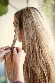 4 ways to style messy hair!