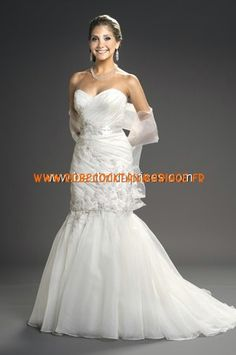 Romantic Bridals Robe de Mariée - Style 7804